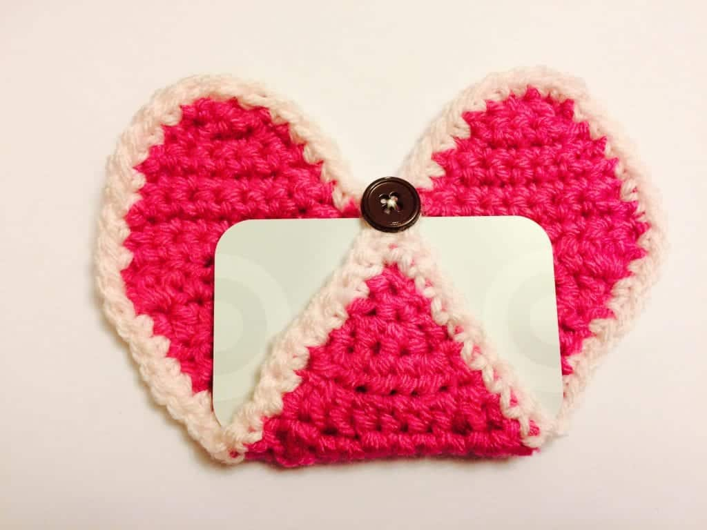 picture of pink heart crochet gift card holder