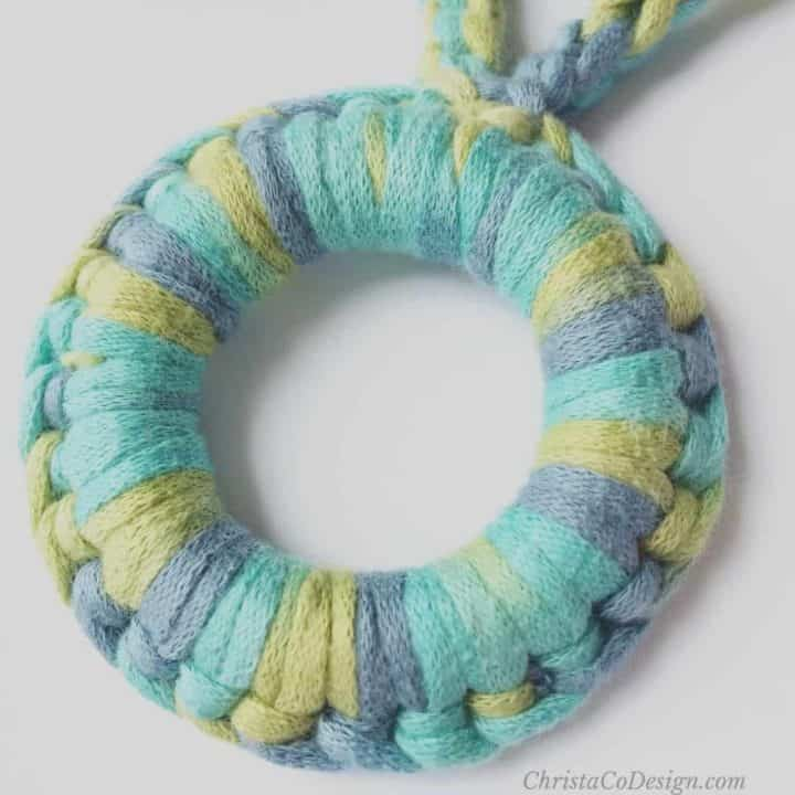 picture of crochet stitch around ring