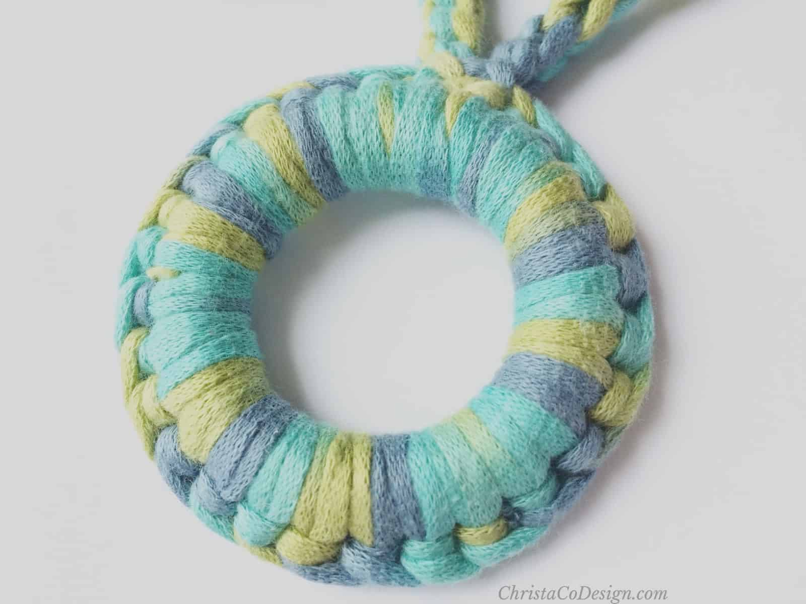 picture of crochet stitch around ring