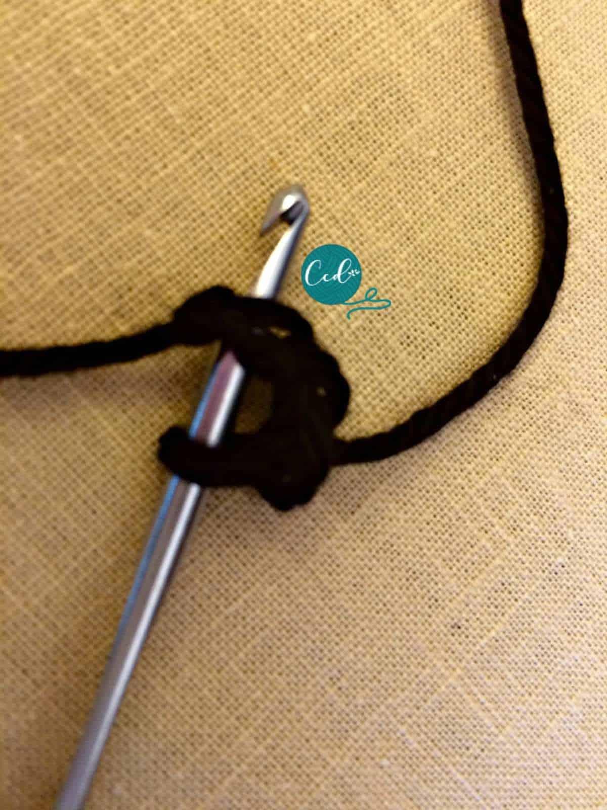 Crochet sandals tutorial hook in chain.