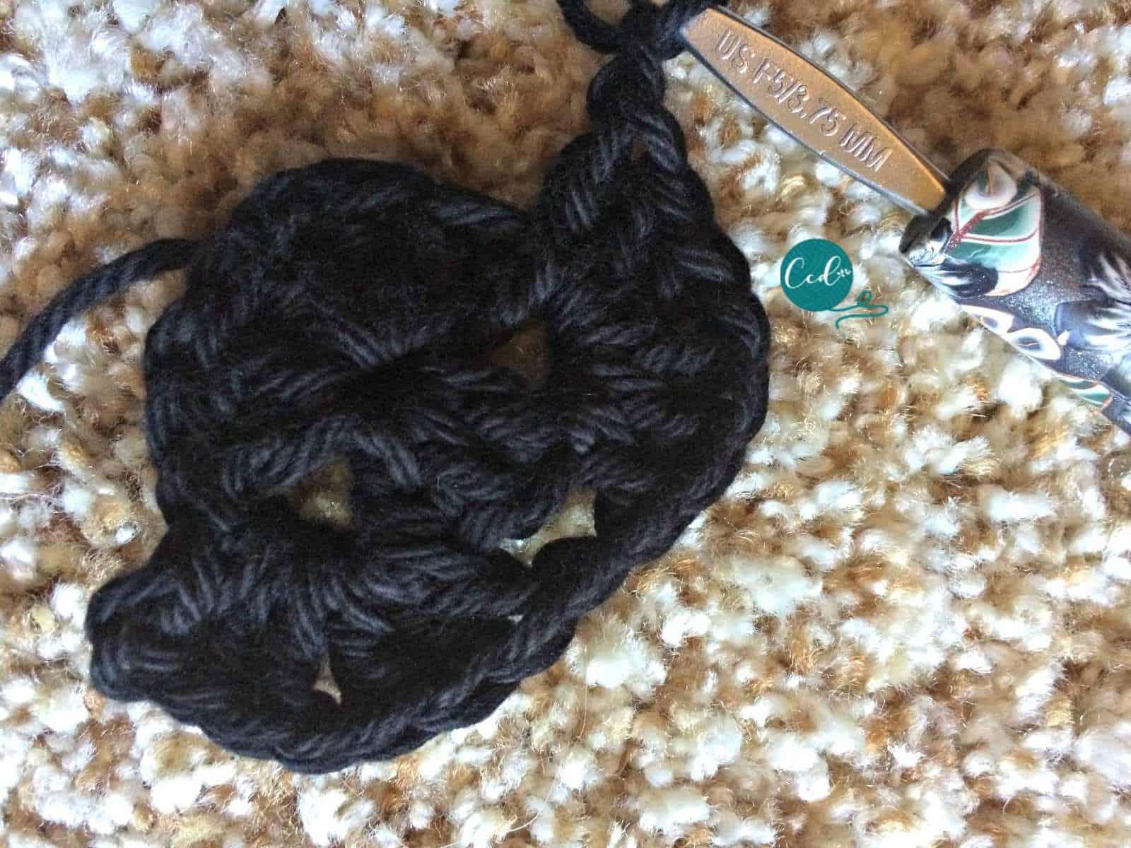 Crochet sandals tutorial row 2.