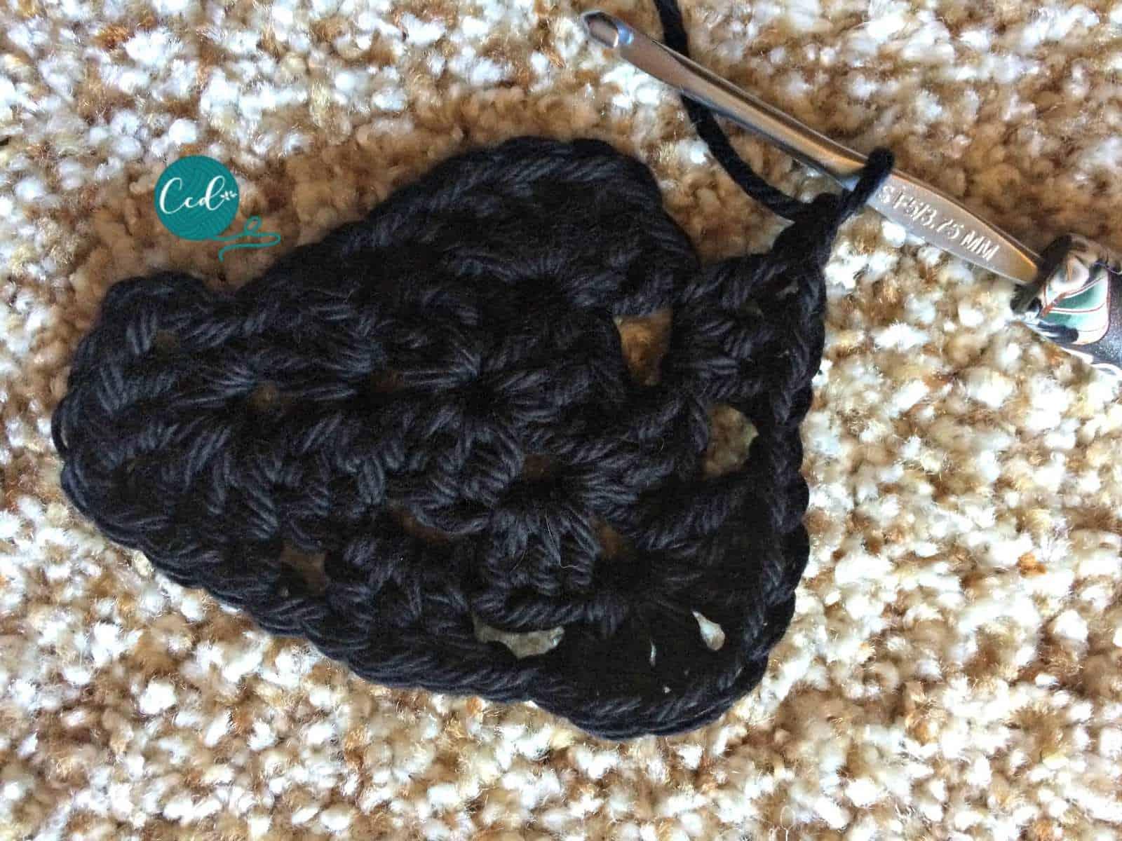 Crochet sandals triangle tutorial.