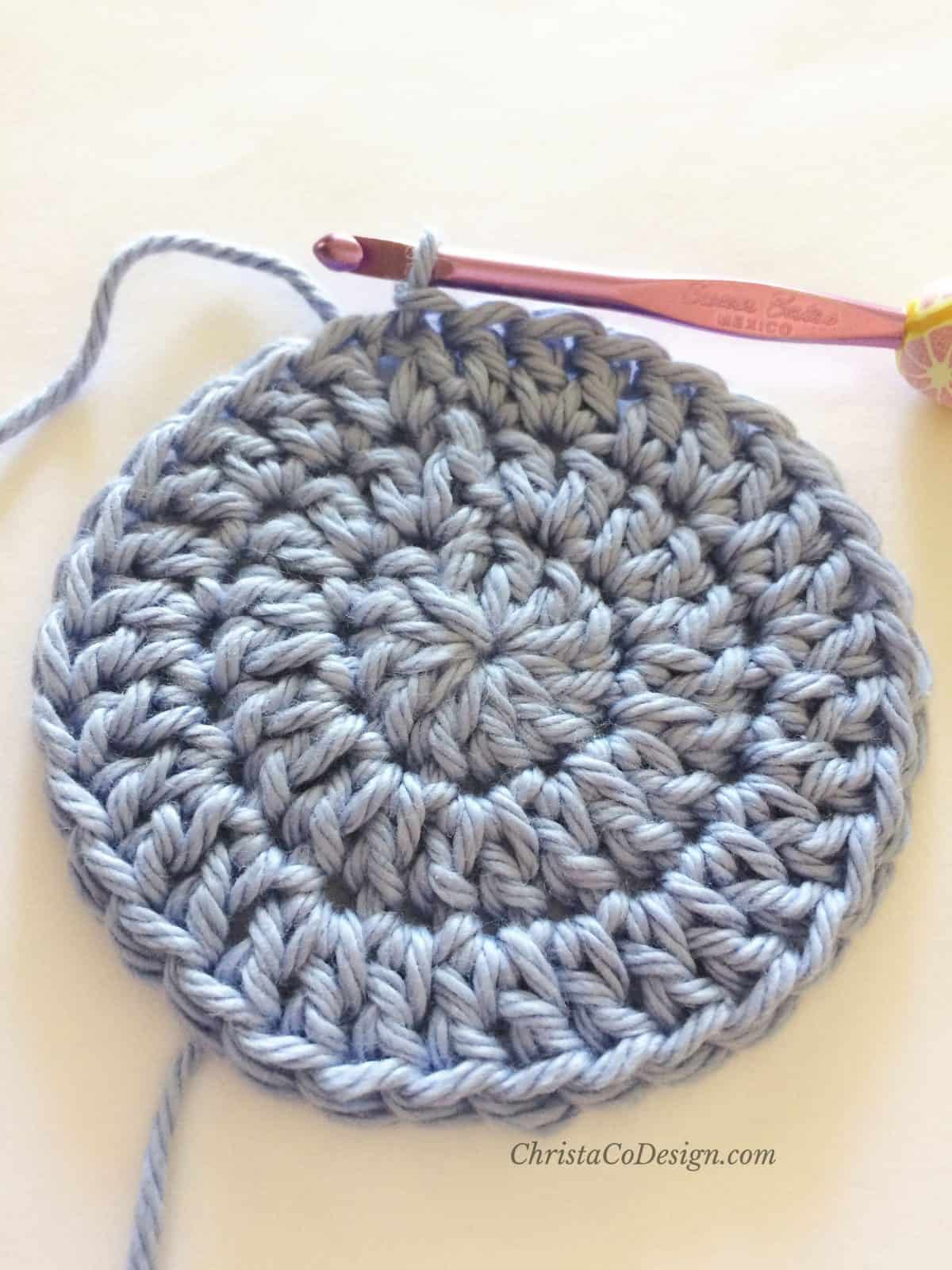 picture of rnd 3 circle crochet