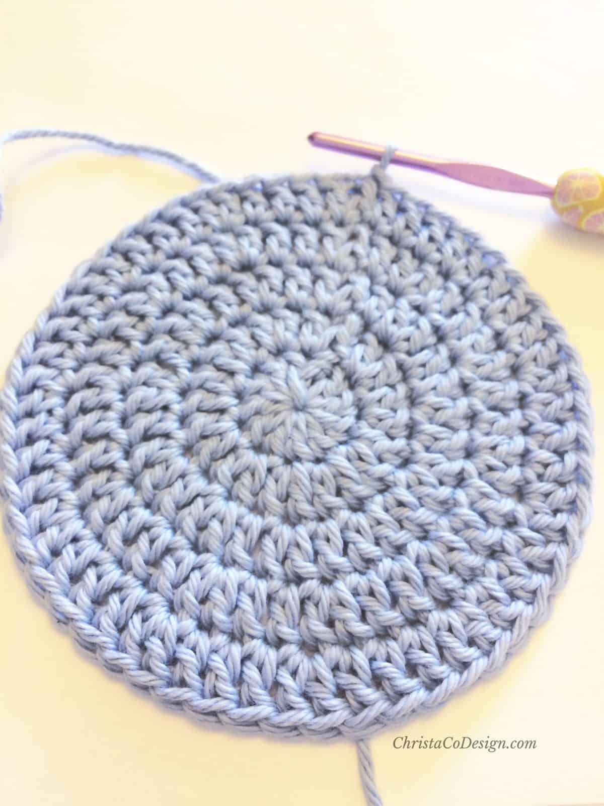 picture of flat crochet circle