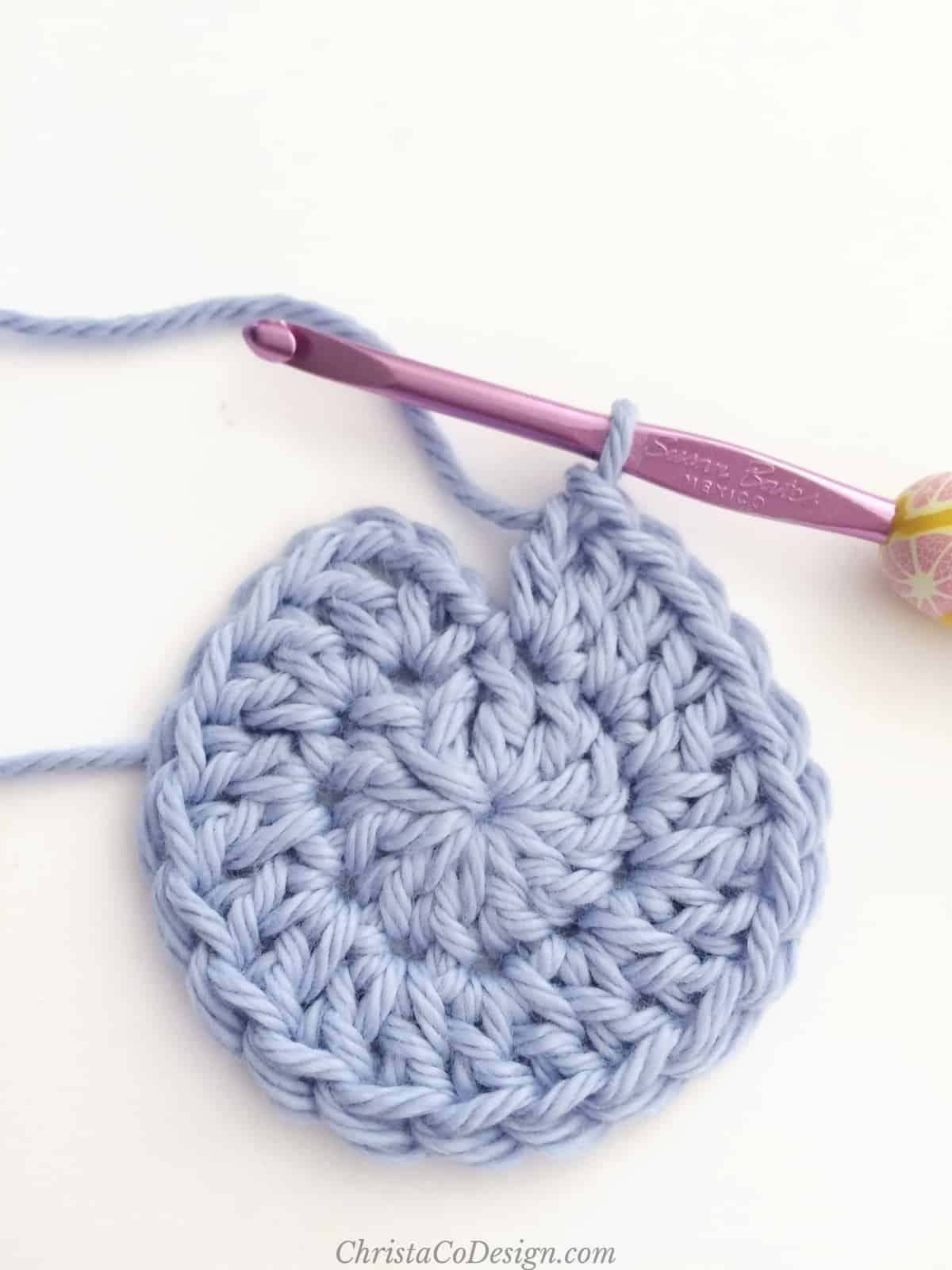 picture of blue crochet circle