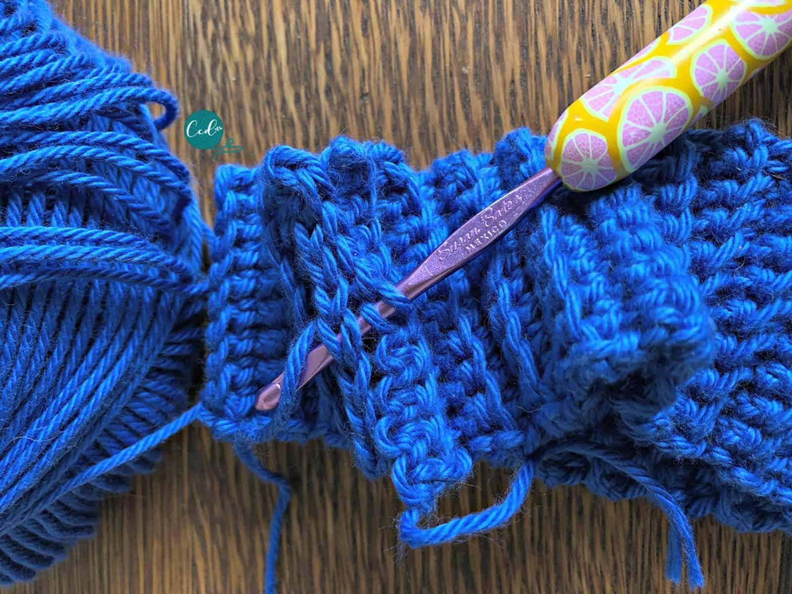 Slip stitch short ends.