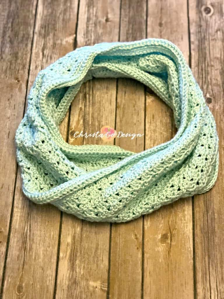 picture of two way cowl circled