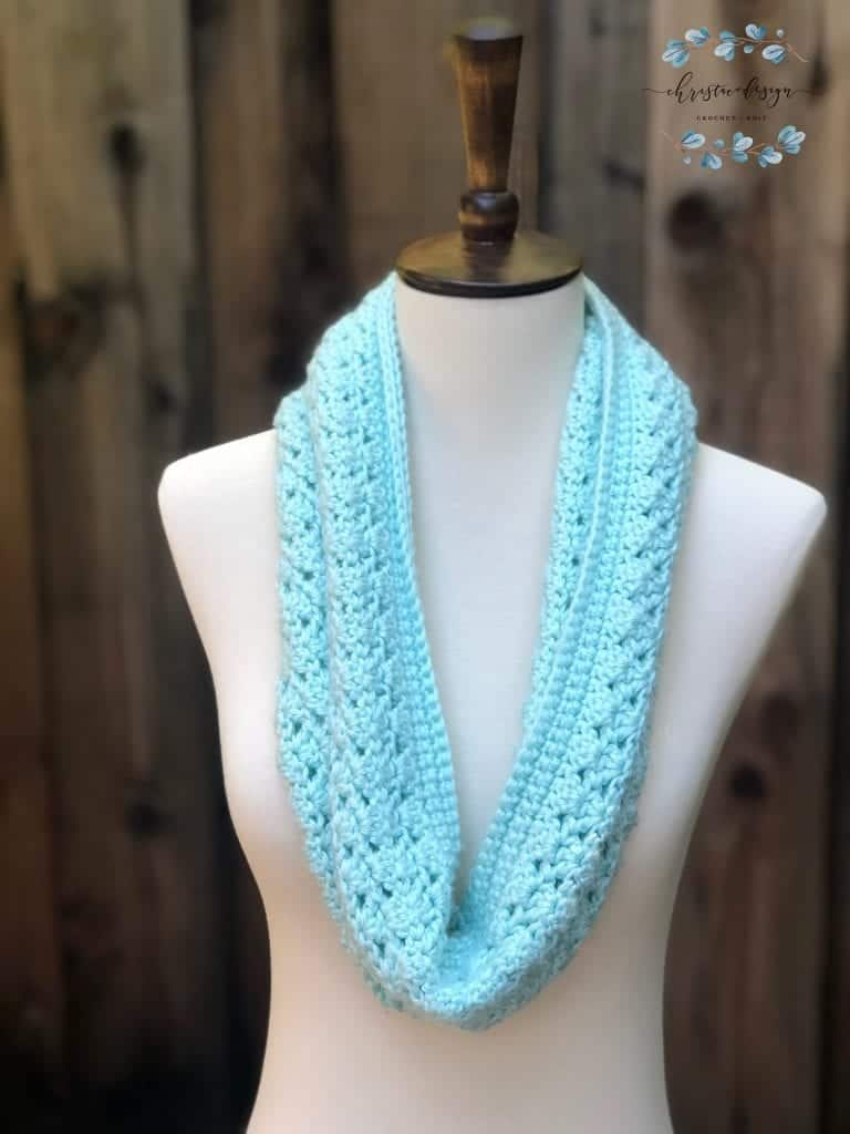 picture of one skein mint green cowl
