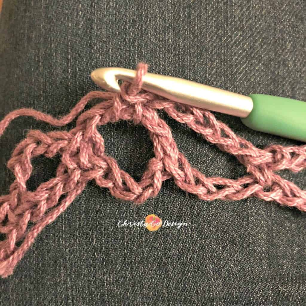 picture of how to join crochet arches