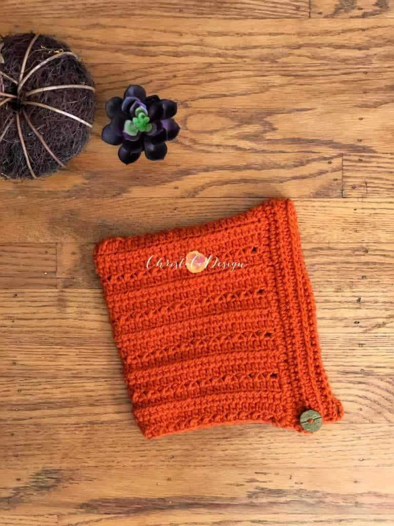 picture of folded pixie hat with button