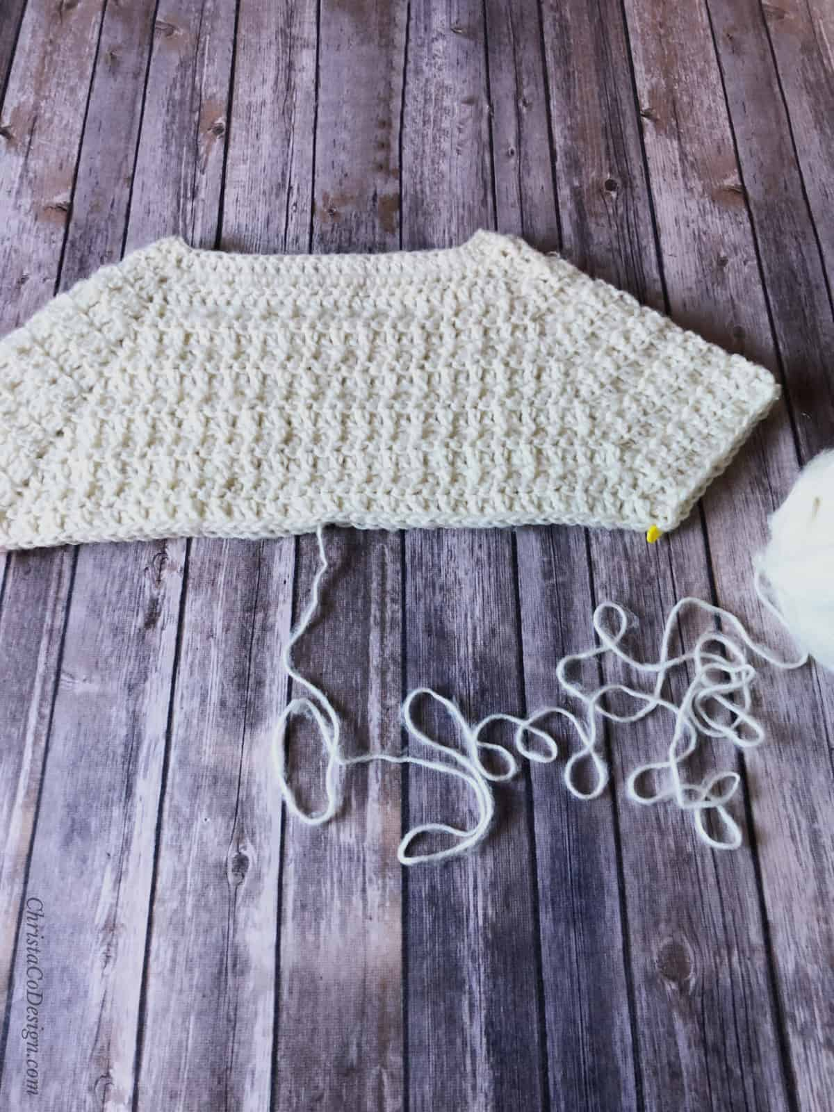 Divide raglan sweater free crochet pattern.