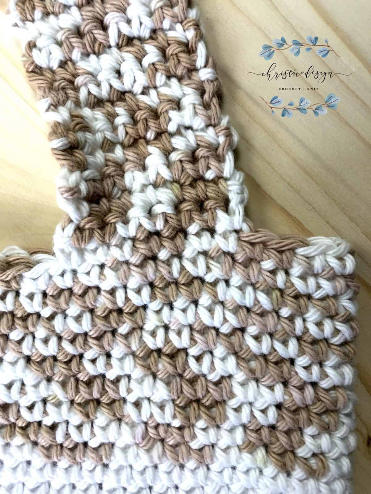 Crochet strap on top of tote bag pattern.