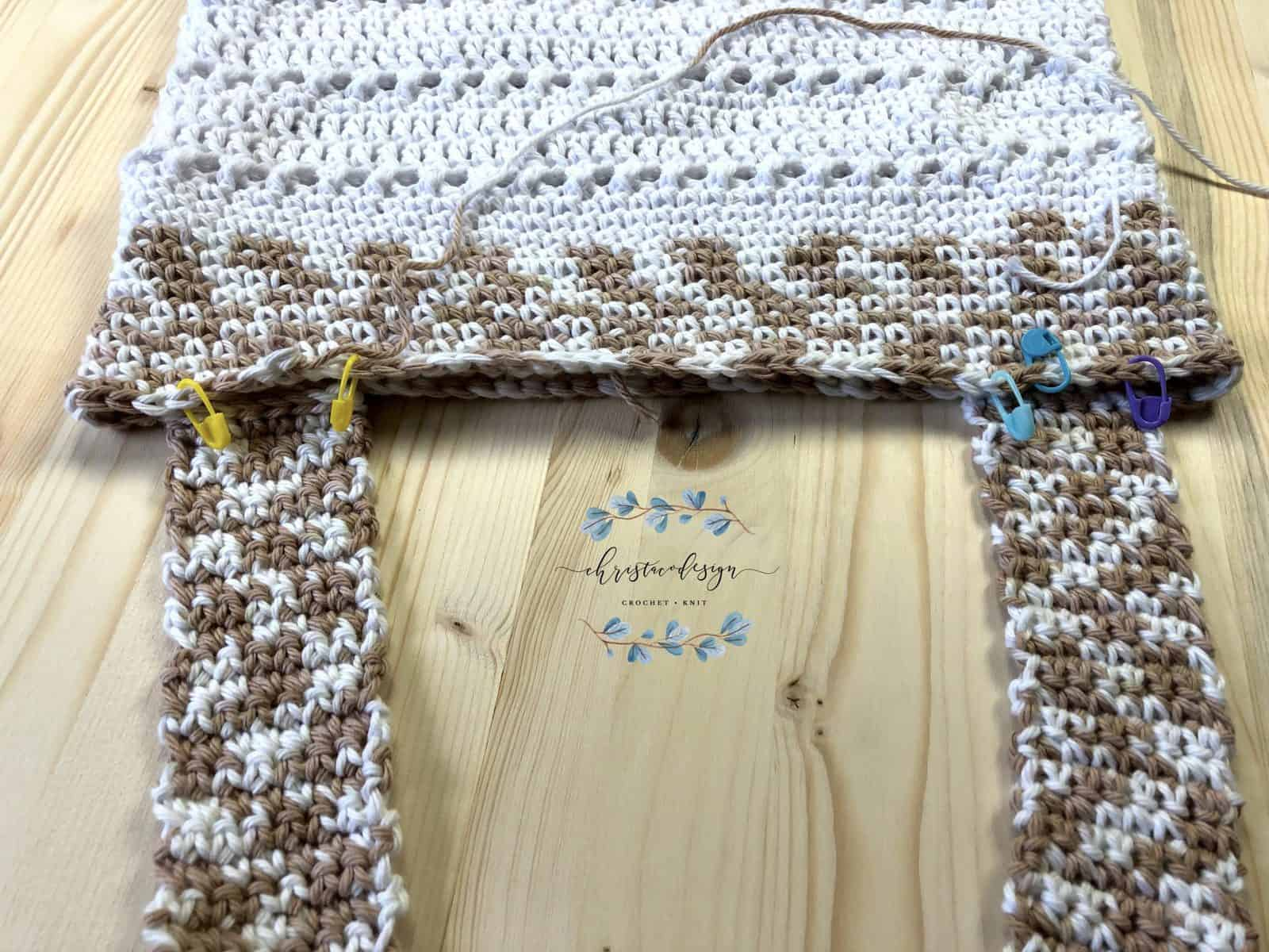 Free crochet tote bag pattern with two straps second placement.