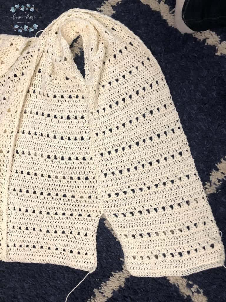 picture of slide slit and armhole cardigan side