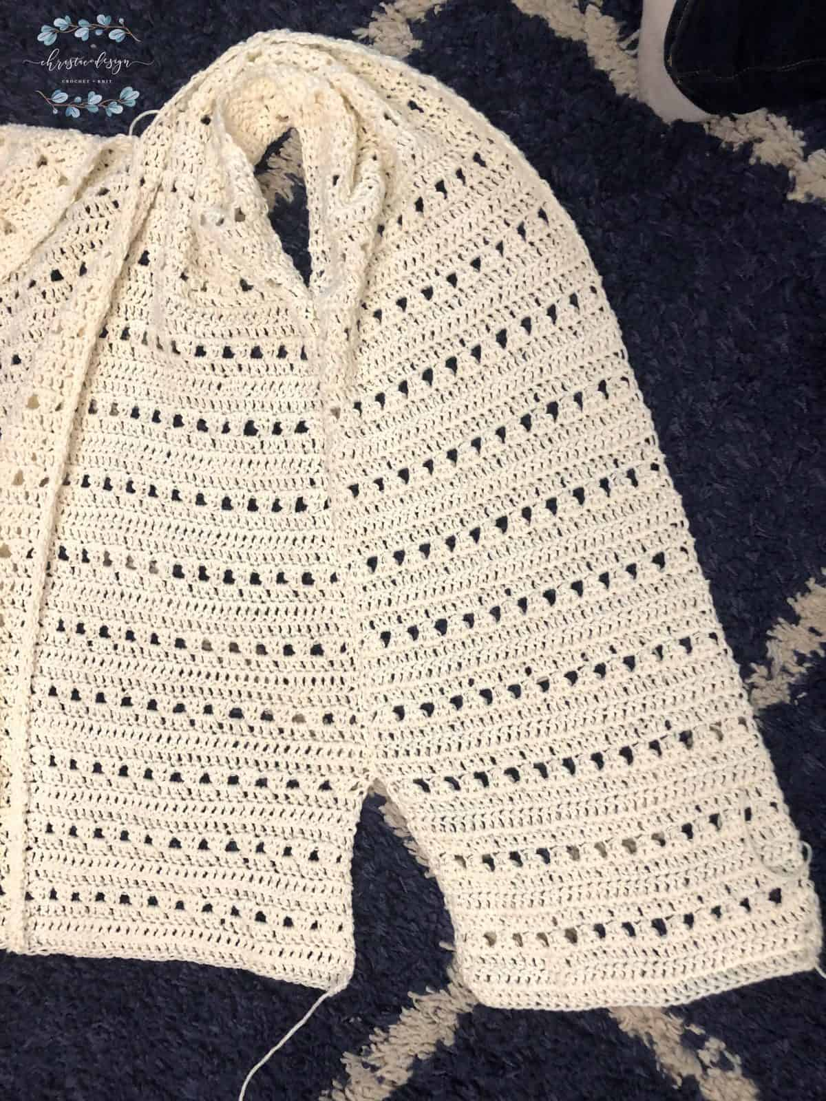 Picture of side midsummer cardigan