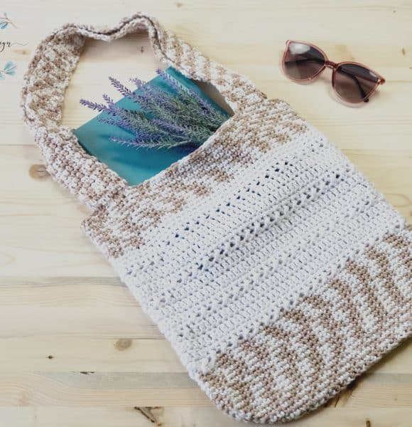 The Library Tote-a free crochet book bag pattern