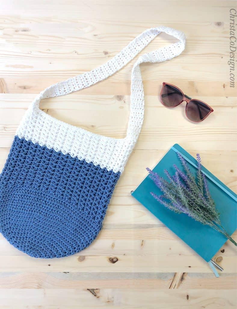Tote bag crochet pattern with book and glasses.