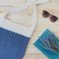 picture of blue and white crochet shoulder bag tote