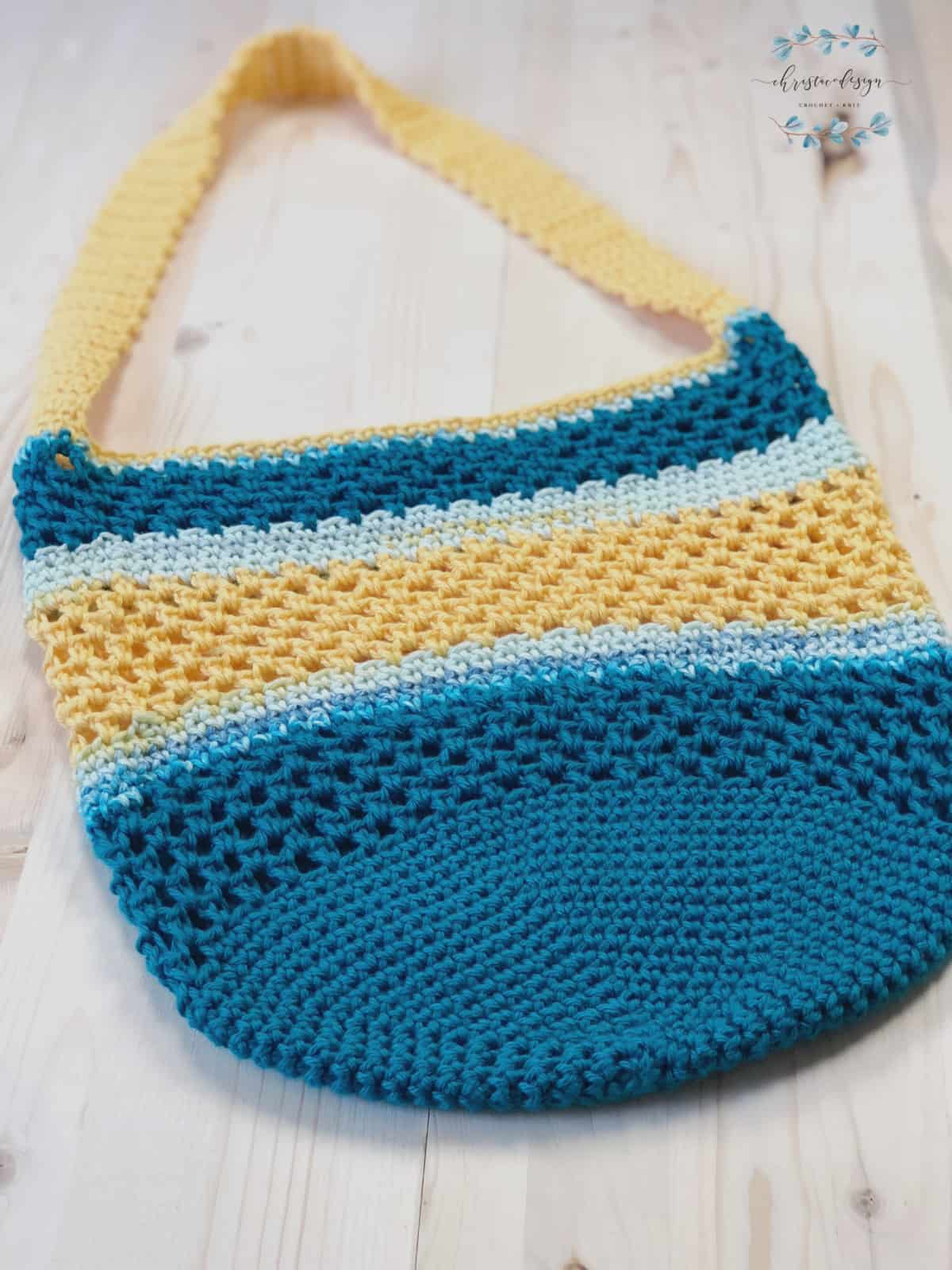 picture of teal and yellow coastal sun beach tote bag crochet pattern