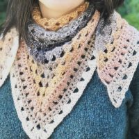 picture of woman in triangle scarf