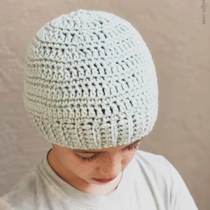 picture of cyan fitted beanie bottom up crochet pattern
