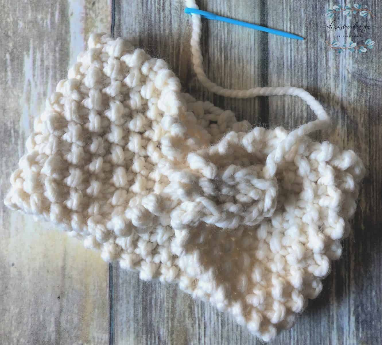 picture of tutorial seaming knit ear warmer