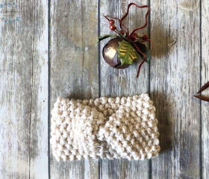 Chunky Knit Ear Warmer a Free Knitting Pattern
