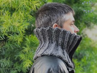 Men's cowl in grey