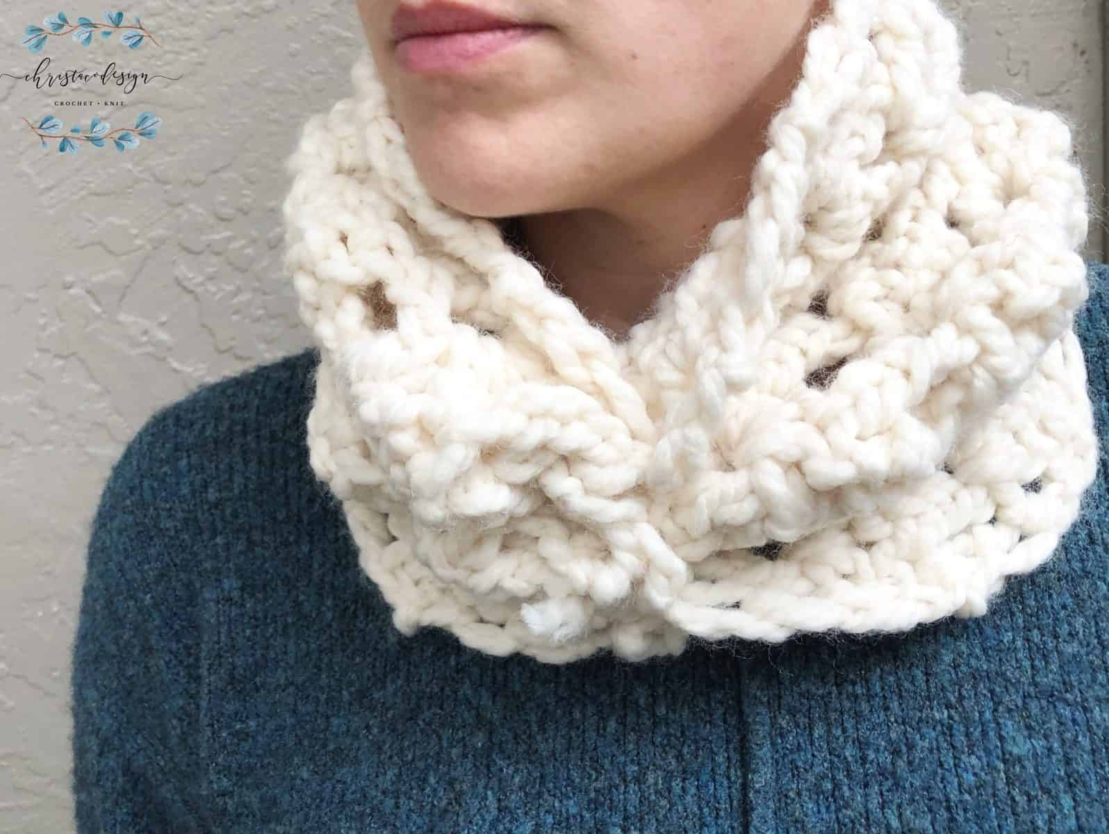 picture of cinched crochet cowl one skein
