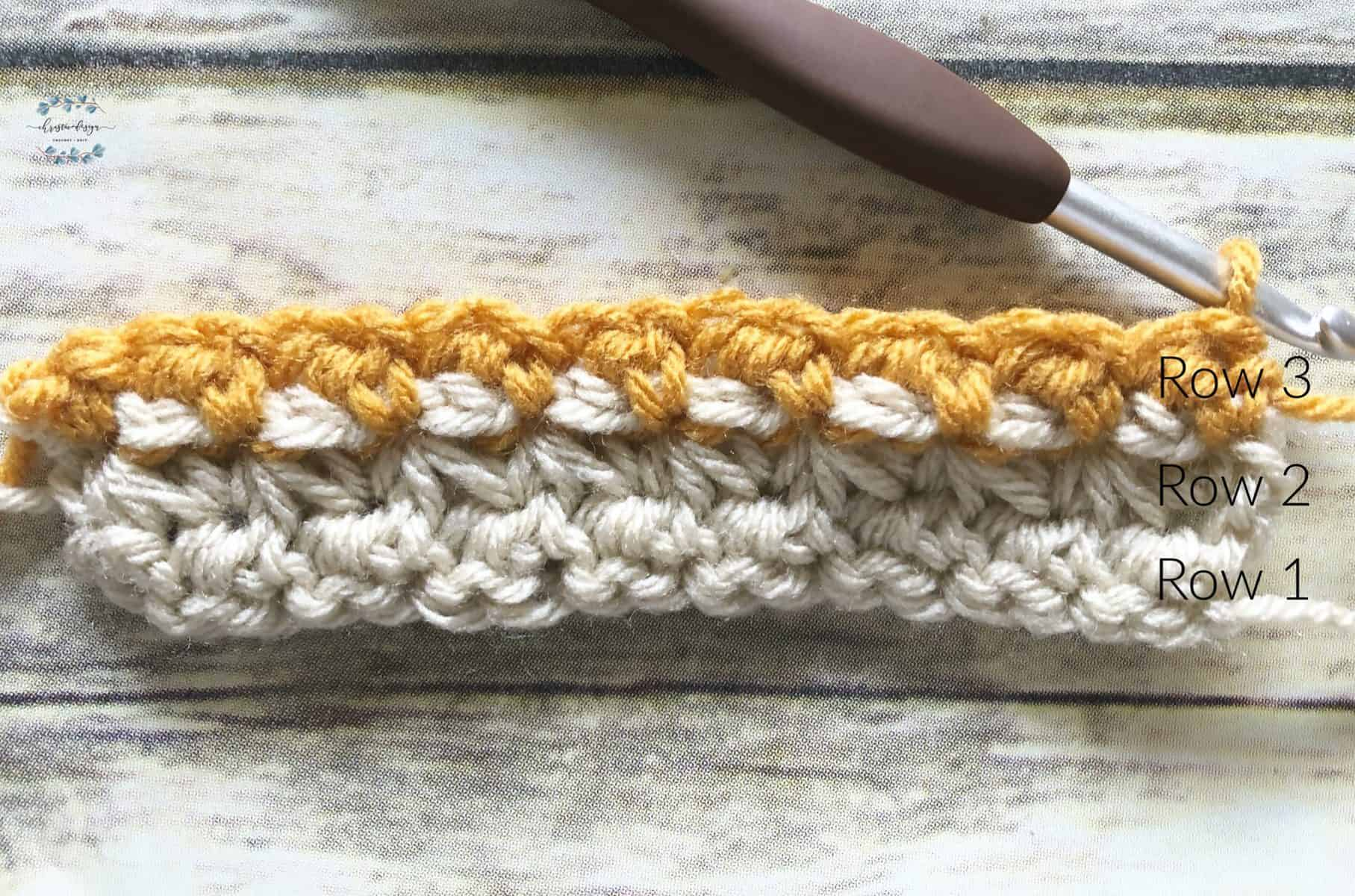 picture of gold yarn back contrast