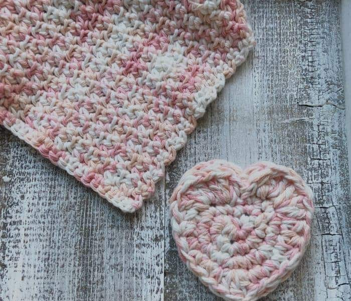 Heart Pocket Scrubby a Free Crochet Pattern