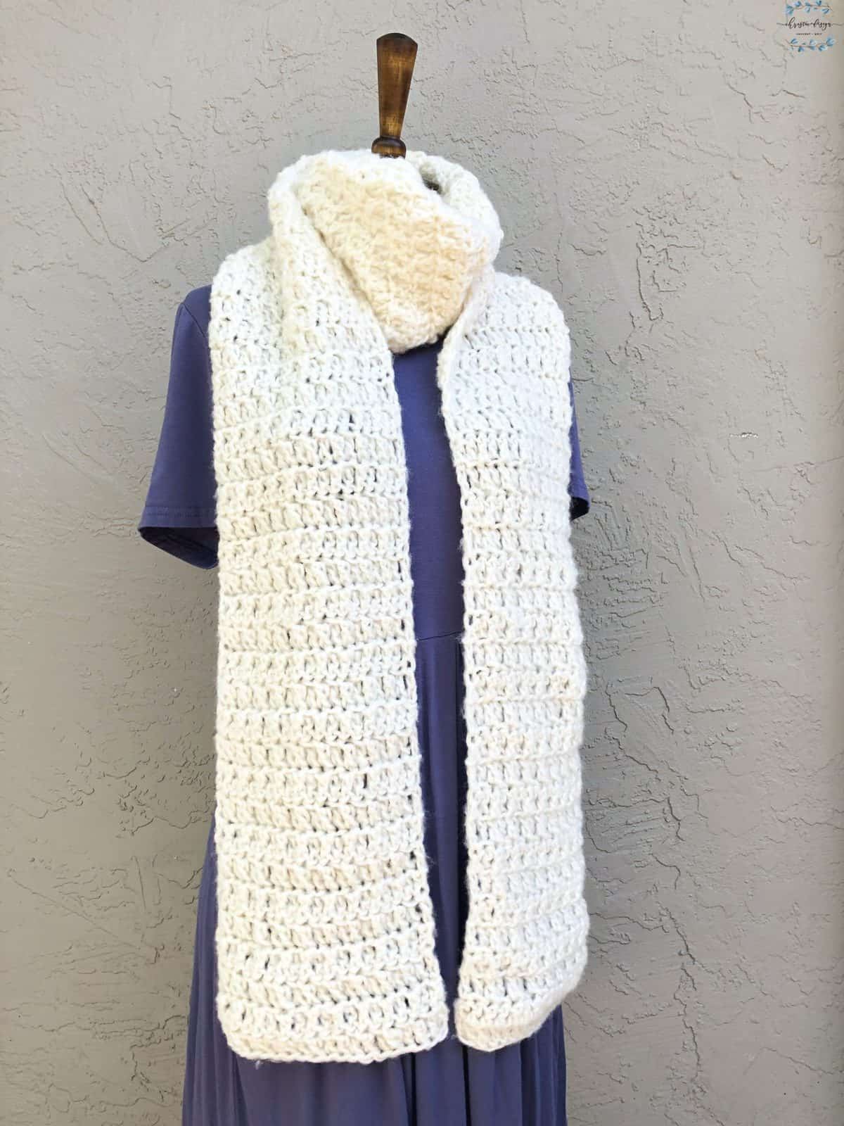 picture of chunky crochet scarf wrapped on mannequin