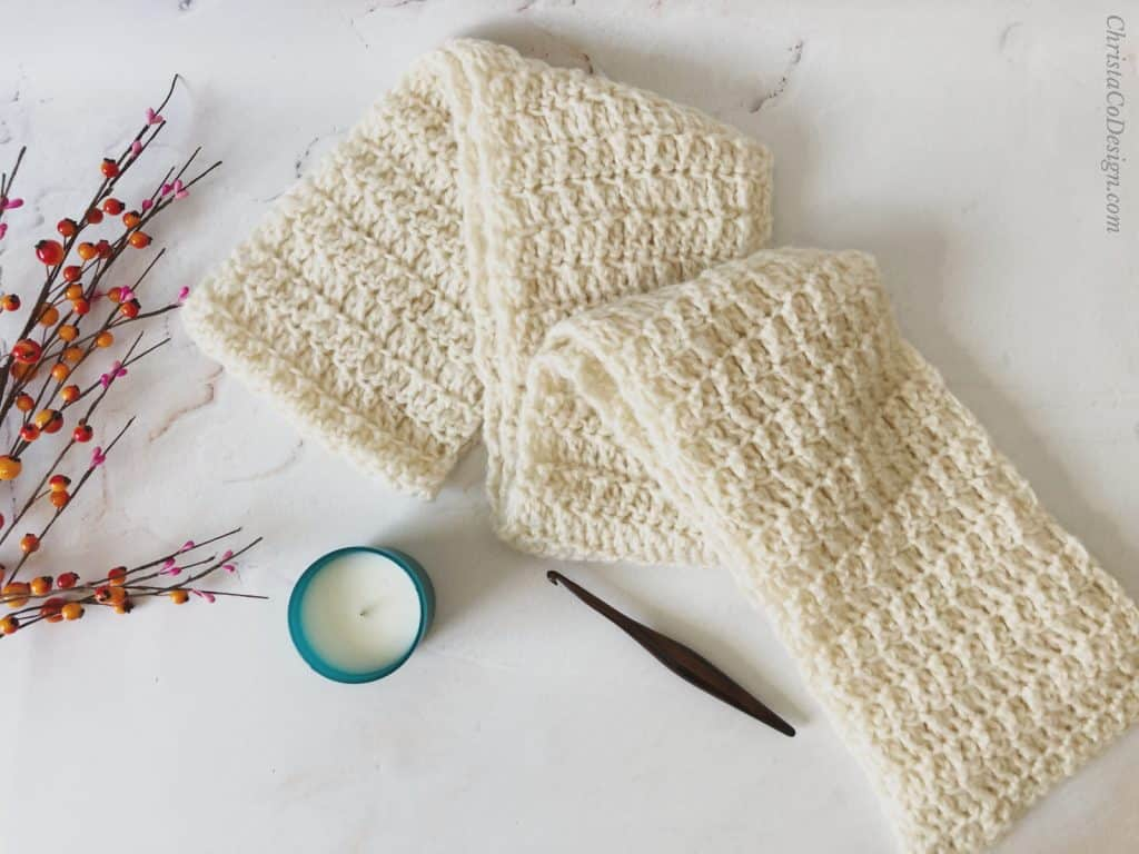 picture of nebbia scarf in chunky yarn free pattern