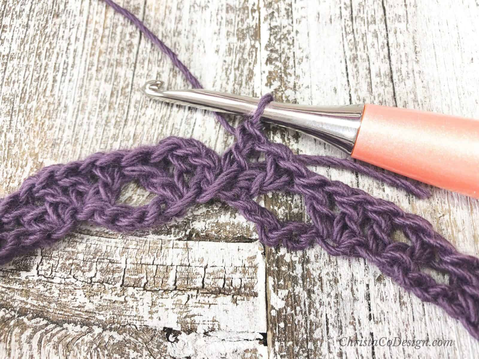 picture of how to join crochet cowl