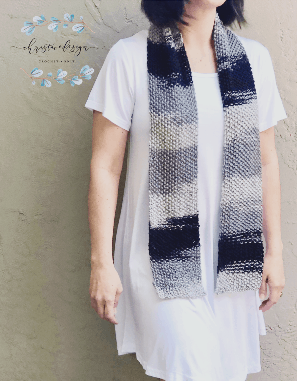 picture of woman in white wearing grey black ombre skinny texture scarf knitting pattern