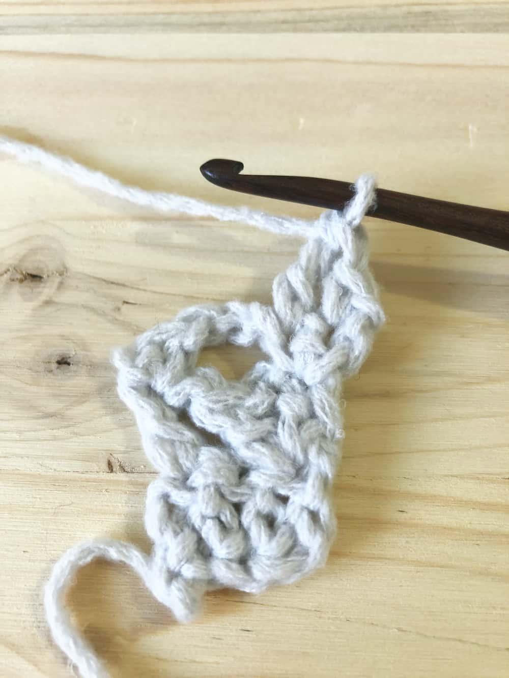 R4 mila shawl