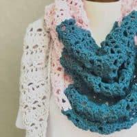 picture of Mila color block shawl close