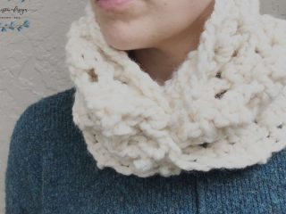 picture of crochet cream sheila cowl
