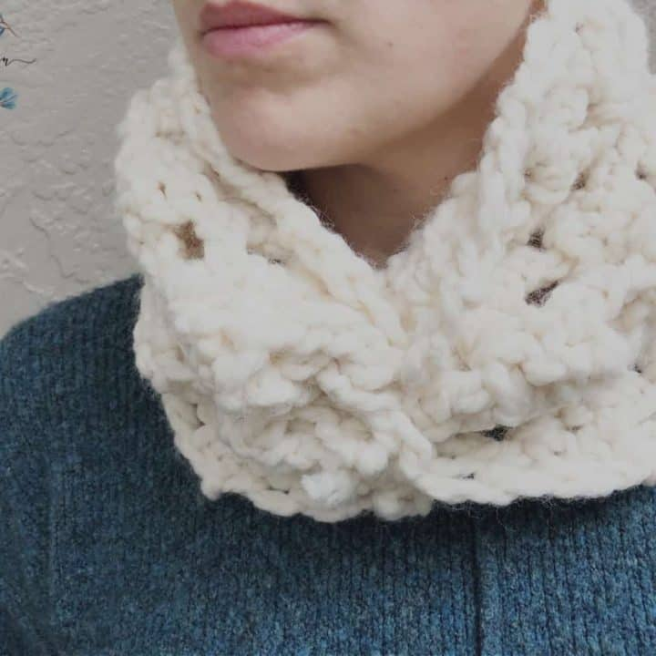 picture of crochet cream sheila cowl