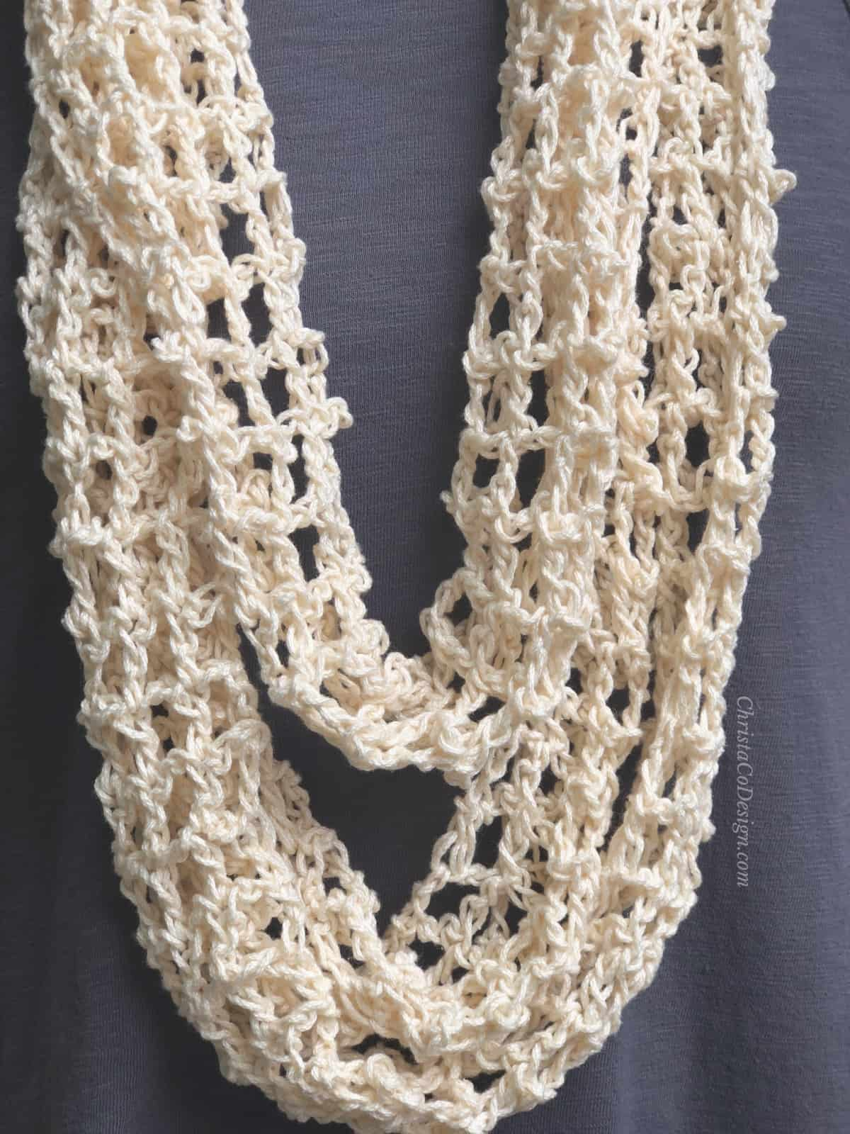 picture of crochet infinity cowl