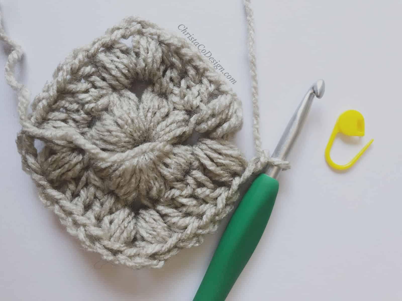 picture of crochet puff stitch blanket round 2