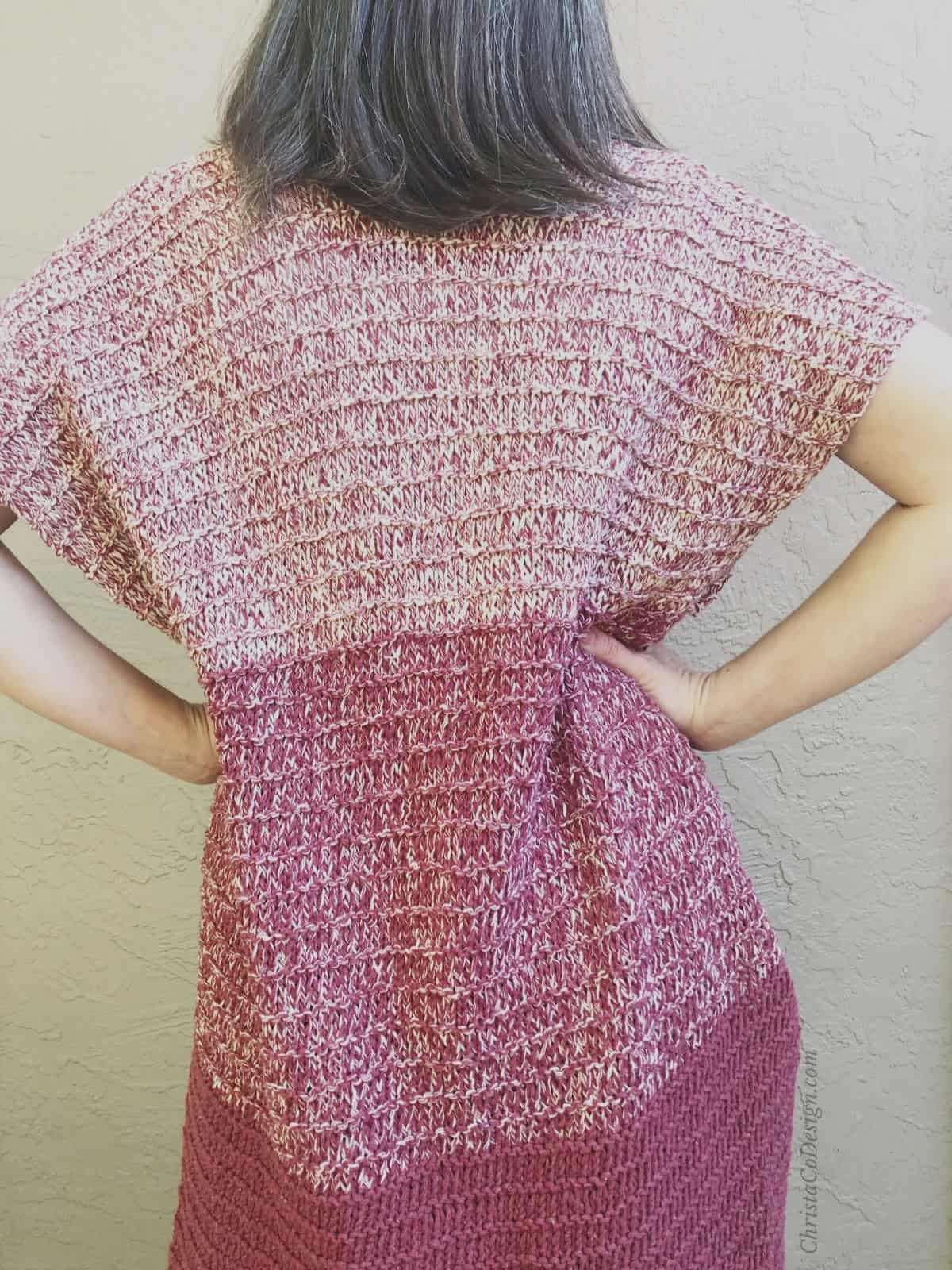 picture of back of striped ombre maroon short sleeve easy knit cardigan