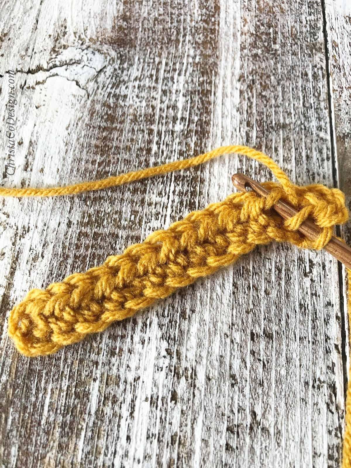 picture of 3rd loop half double crochet