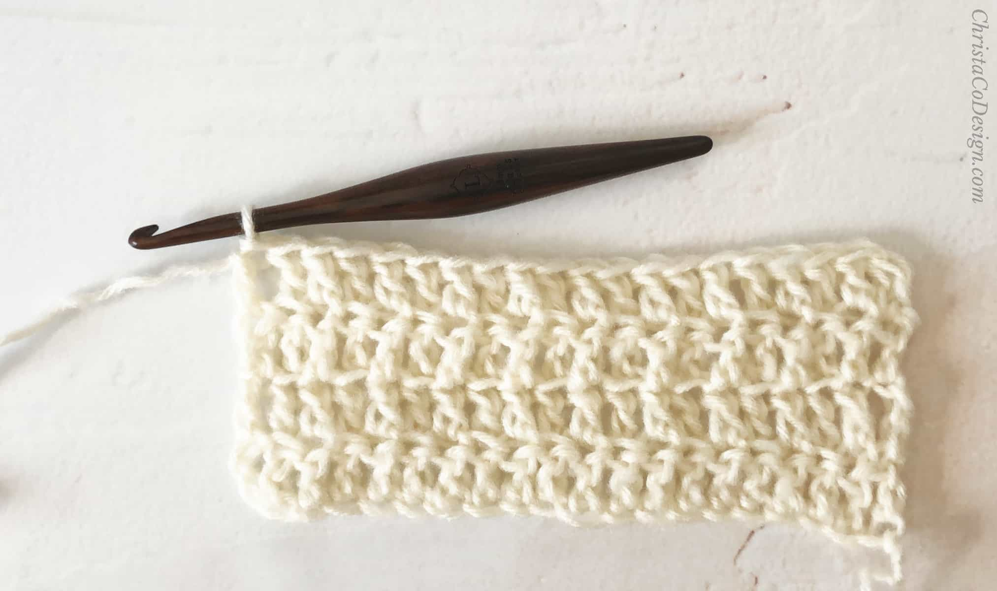 picture of crochet textured scarf in white chunky scarf tutorial