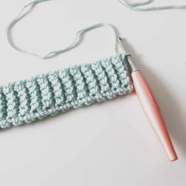 picture of blue crochet ribbing for hats tutorial