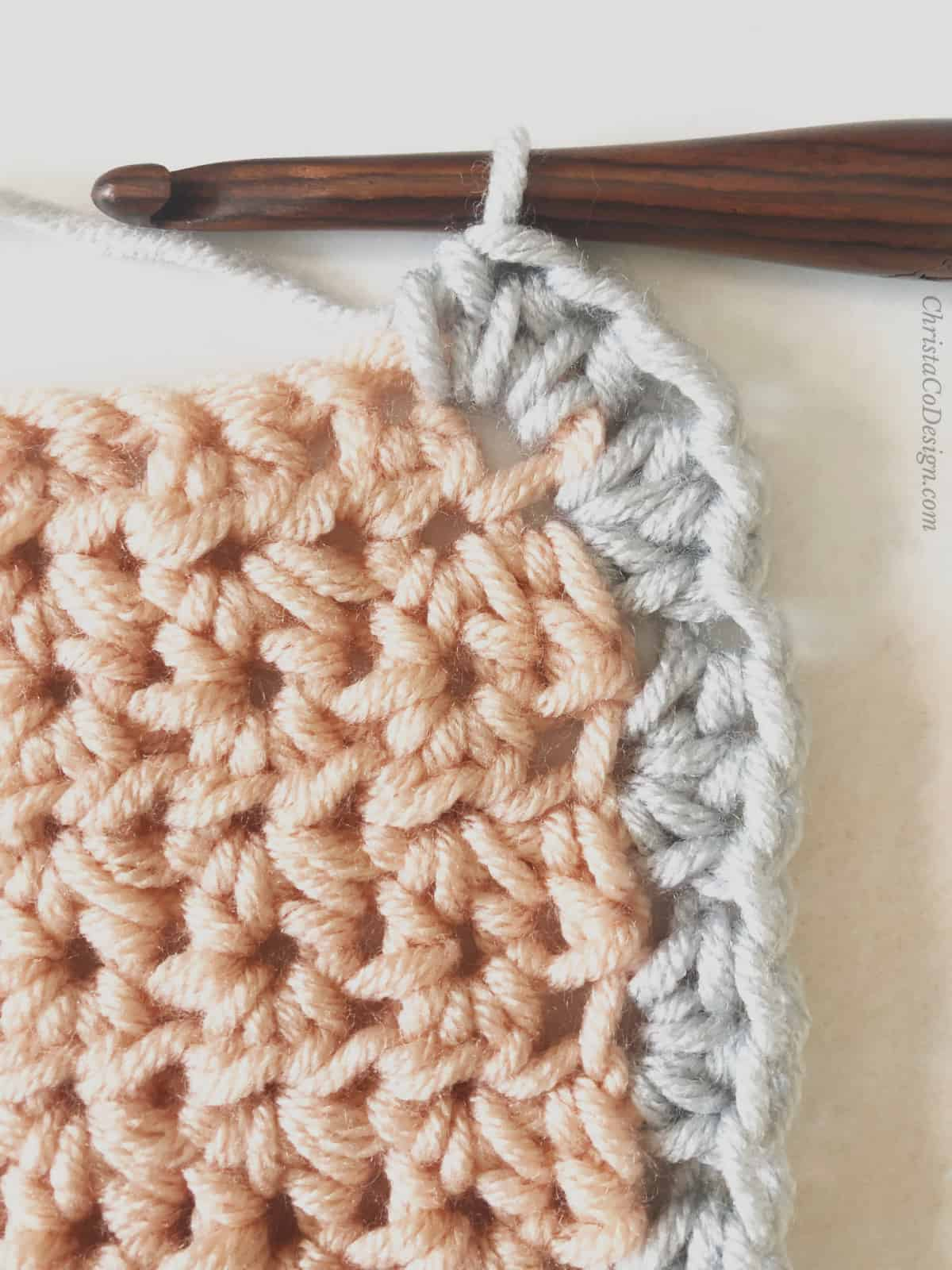 picture of crochet border on pink blanket