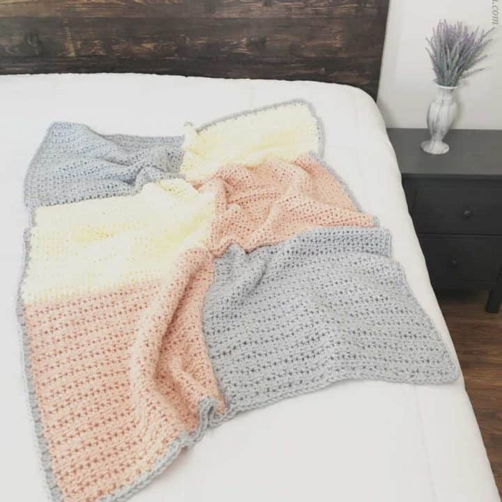 picture of chunky crochet blanket easy pattern