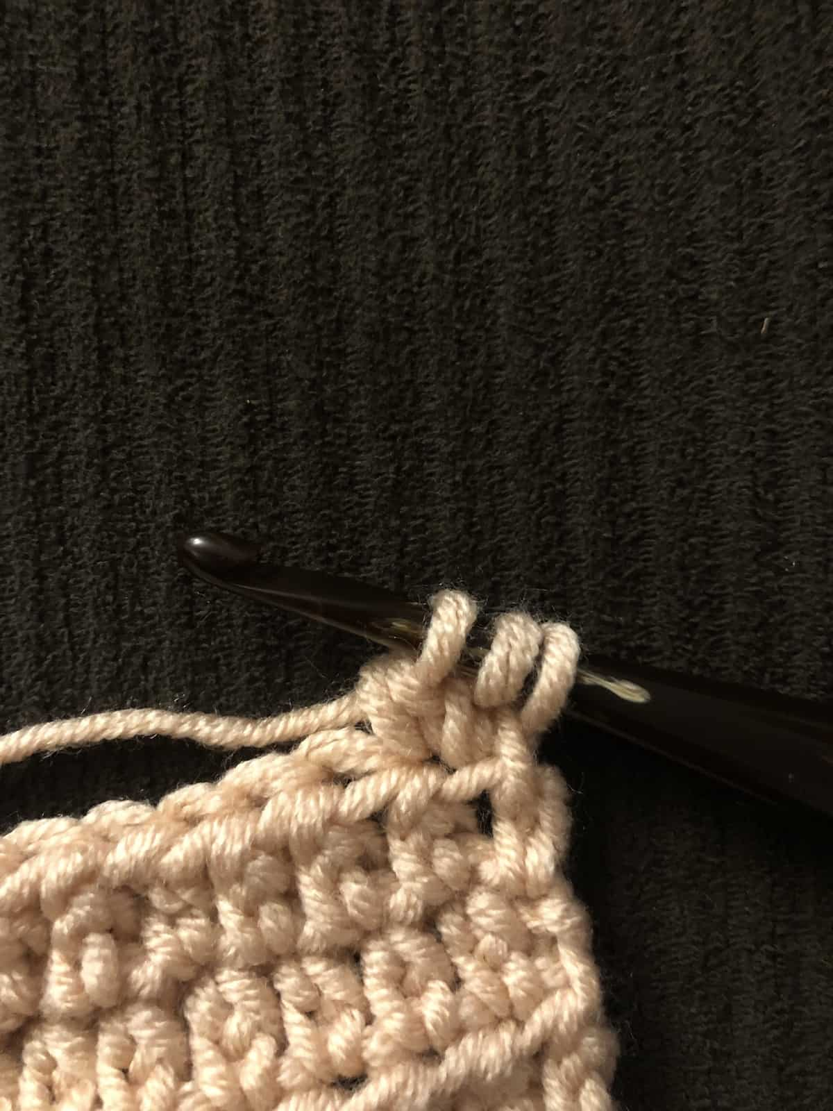 picture of Tc twin cluster crochet stitch