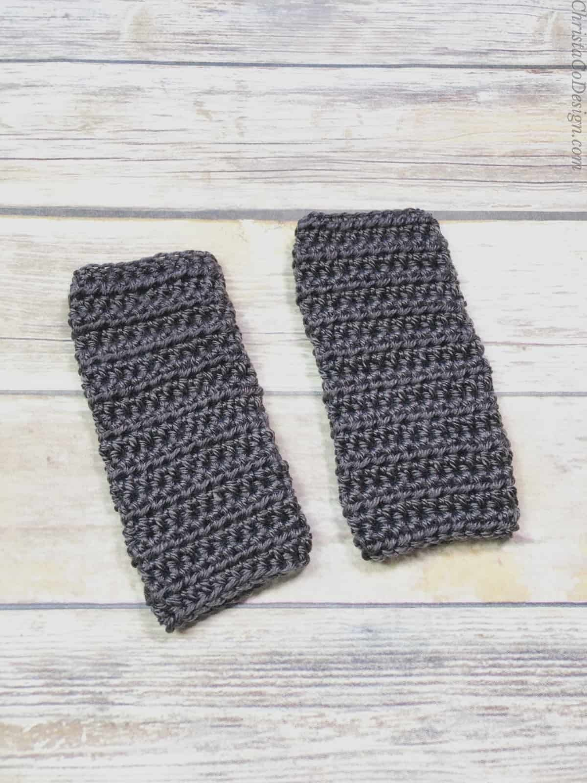 picture of women's fingerless gloves crochet pattern flat