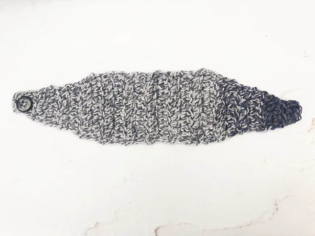picture of double crochet ear warmer laid flat